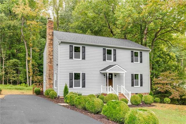3901 Huntwood Road, North Chesterfield, VA 23235 (MLS #2130942) :: Village Concepts Realty Group