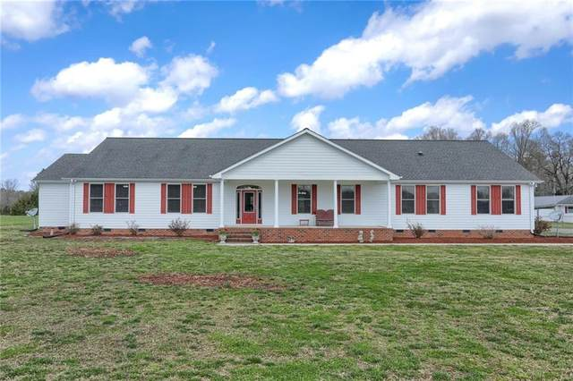 6211 Hall Town Road, Gloucester, VA 23061 (MLS #2131125) :: Village Concepts Realty Group