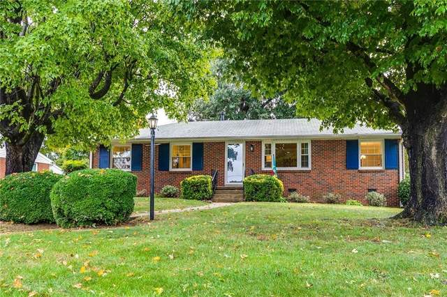 8721 Lakefront Drive, Henrico, VA 23294 (#2132119) :: The Bell Tower Real Estate Team