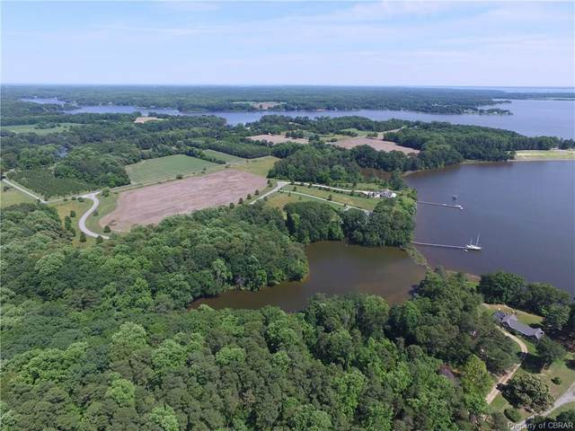 4 Overlook Court, Lancaster, VA 22503 (MLS #1822940) :: Village Concepts Realty Group