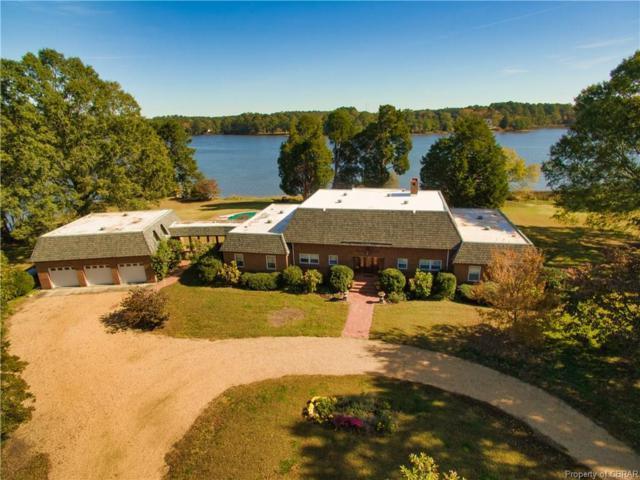 541 Brittany Lane, North, VA 23128 (MLS #1837367) :: Chantel Ray Real Estate