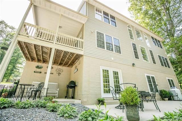 174 Lake Caroline Drive, Ladysmith, VA 22546 (#1918107) :: Abbitt Realty Co.