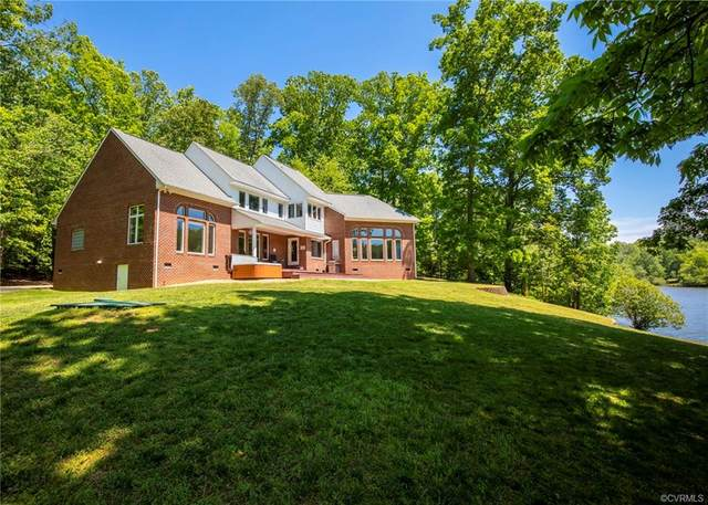 1612 Wildwood Shores Drive, Powhatan, VA 23139 (MLS #2014778) :: EXIT First Realty