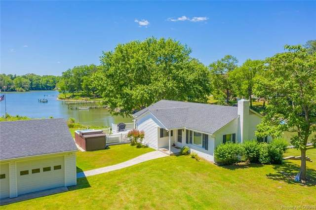 174 Carters Cove Drive, Weems, VA 22576 (MLS #2016382) :: The RVA Group Realty