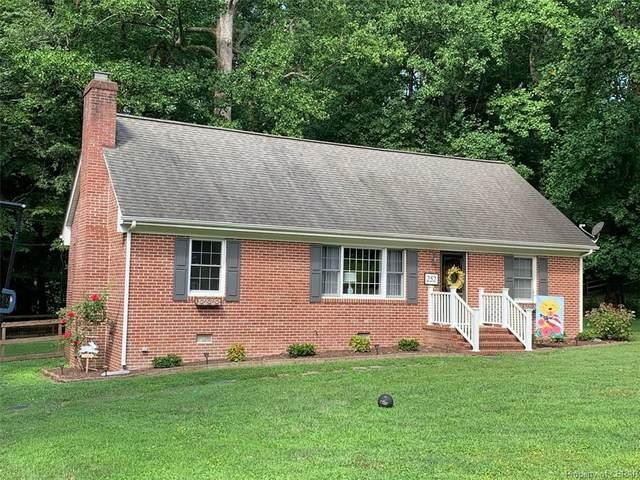 252 Garnett Hill, Urbanna, VA 23175 (MLS #2020207) :: Small & Associates