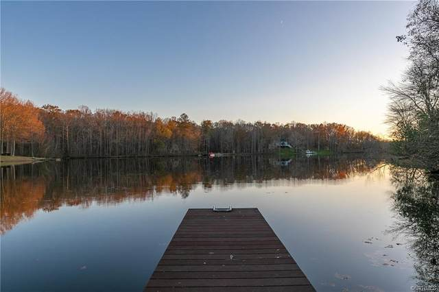 1612 Wildwood Shores Drive, Powhatan, VA 23139 (MLS #2033956) :: The Redux Group