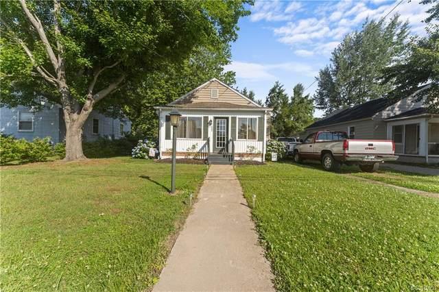 805 Cralle Avenue, Tappahannock, VA 22560 (MLS #2116791) :: Treehouse Realty VA
