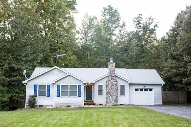 237 Washington Drive, Ruther Glen, VA 22546 (#1833116) :: Abbitt Realty Co.