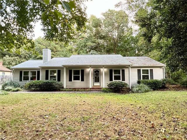 4413 Old Squaw Lane, Gloucester, VA 23061 (MLS #2128891) :: Village Concepts Realty Group