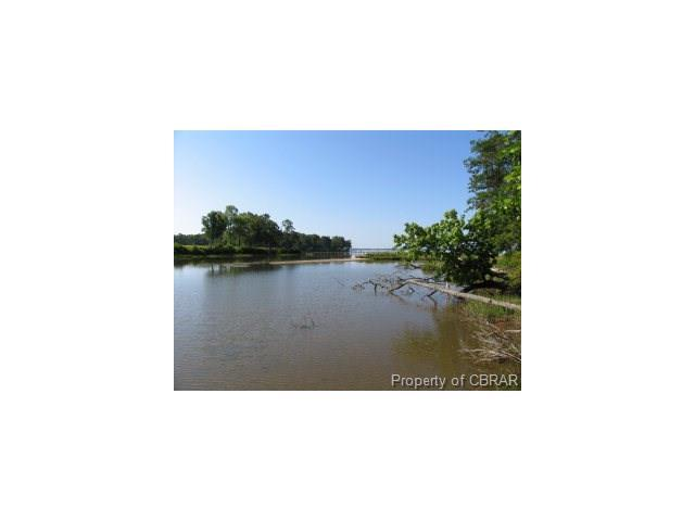 15 Cedar Pointe Drive, Weems, VA 22576 (MLS #1635156) :: Chantel Ray Real Estate