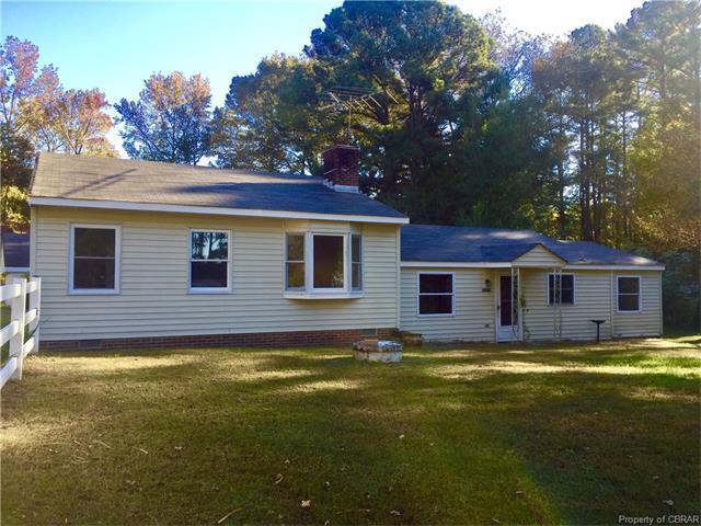 5879 York Haven West Drive, Gloucester, VA 23061 (#1707109) :: Abbitt Realty Co.