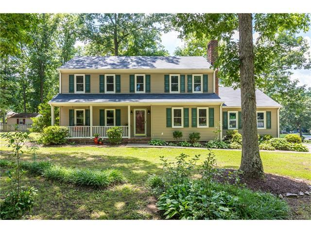 1512 Pocoshock Boulevard, North Chesterfield, VA 23235 (#1722870) :: Resh Realty Group