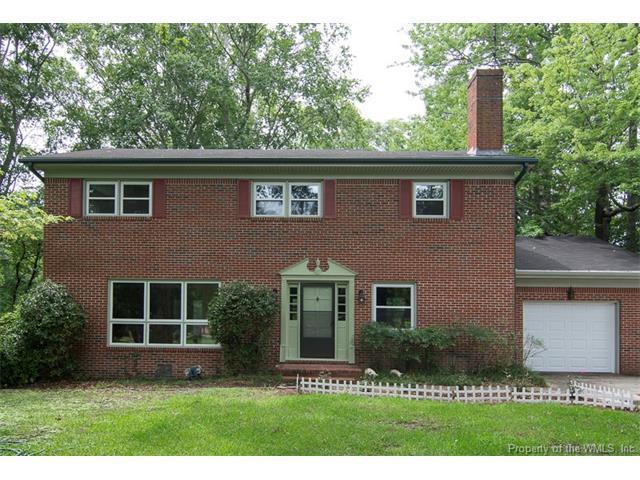39 Gurwen Drive, Smithfield, VA 23430 (#1723192) :: Abbitt Realty Co.