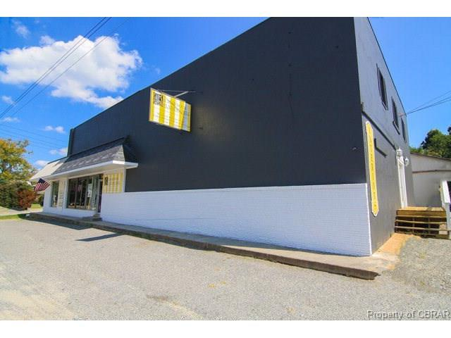 420 S Main Street, Kilmarnock, VA 22482 (MLS #1727794) :: The Ryan Sanford Team