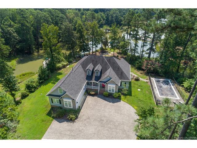 55 Cedar Pointe Drive, Urbanna, VA 23175 (MLS #1728317) :: Chantel Ray Real Estate