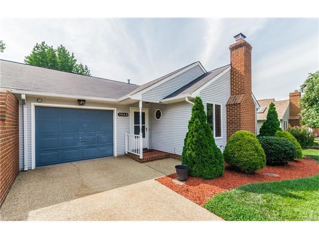 104 S Marion Avenue, Hopewell, VA 23860 (MLS #1728945) :: Chantel Ray Real Estate