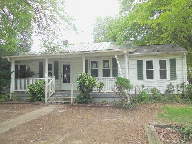 208 Elm Street, Ashland, VA 23005 (#1729281) :: Resh Realty Group