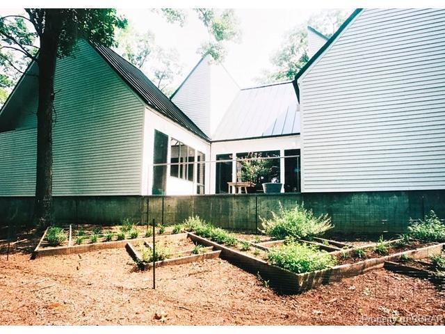 212 Oyster Way, Weems, VA 22576 (MLS #1729319) :: Chantel Ray Real Estate
