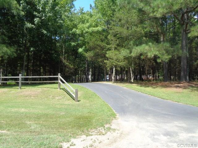 2822 Mountain Road, Glen Allen, VA 23060 (#1730767) :: Resh Realty Group