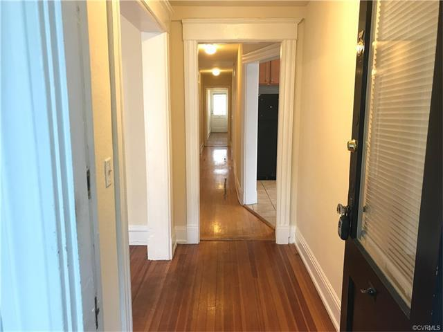 2346 W Grace Street #3, Richmond, VA 23220 (MLS #1731545) :: The RVA Group Realty