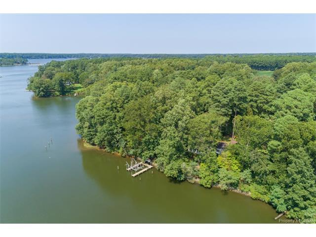 406 Rocky Point Landing, Cobbs Creek, VA 23035 (MLS #1732490) :: Chantel Ray Real Estate
