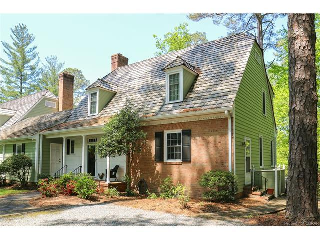 66 The Green, Weems, VA 22576 (MLS #1733003) :: RE/MAX Action Real Estate