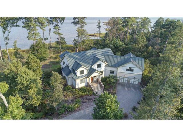 812 Ship Point Road, Yorktown, VA 23692 (MLS #1733135) :: The Ryan Sanford Team