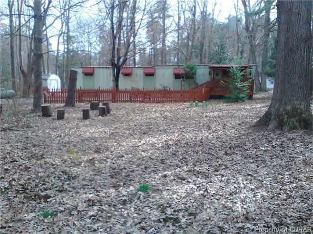 62 Woods Cove Lane, Mathews, VA 23109 (MLS #1733660) :: Chantel Ray Real Estate