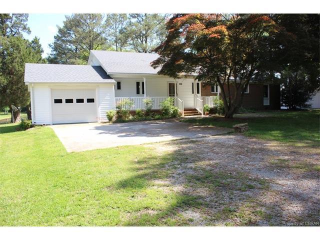 271 Johnson Point Road, Hallieford, VA 23068 (MLS #1733884) :: Chantel Ray Real Estate