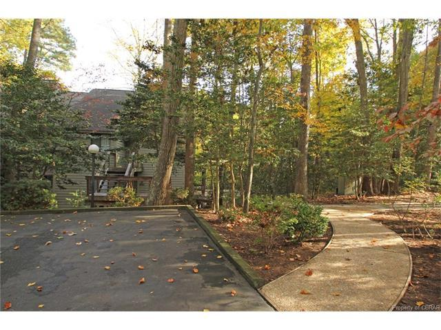 50 Vilage Ridge Drive, Middlesex, VA 23071 (MLS #1735268) :: RE/MAX Action Real Estate