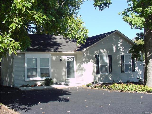 9308 Coleson Road, Glen Allen, VA 23060 (#1737422) :: Resh Realty Group