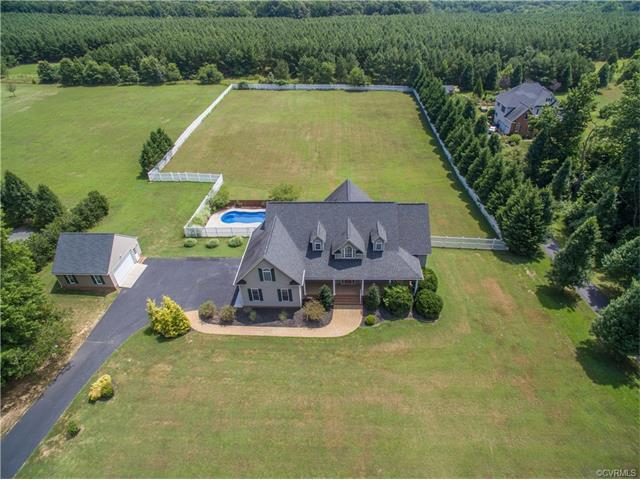 1423 Donavon Mill Lane, Powhatan, VA 23139 (MLS #1737635) :: The RVA Group Realty