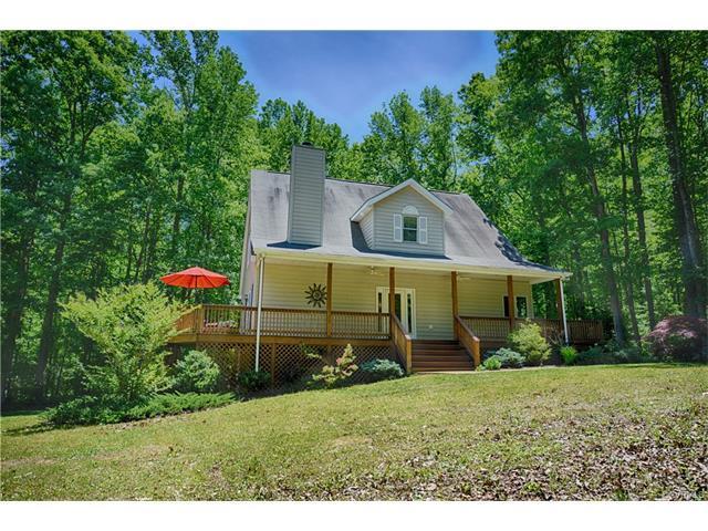 4355 Windsor Lake Drive, Louisa, VA 23093 (MLS #1740394) :: Chantel Ray Real Estate