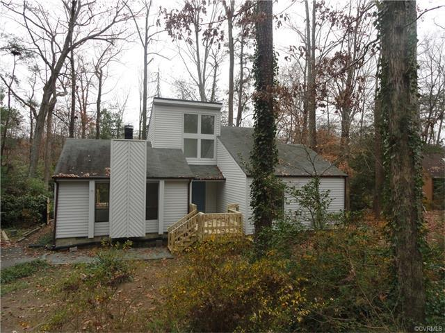 8008 Sykes Road, North Chesterfield, VA 23235 (#1741744) :: Resh Realty Group