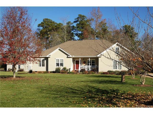 104 Moon Drive, Mathews, VA 23119 (#1741760) :: Abbitt Realty Co.