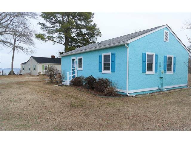 429 Misti Cove Road, Hallieford, VA 23068 (MLS #1801805) :: Chantel Ray Real Estate