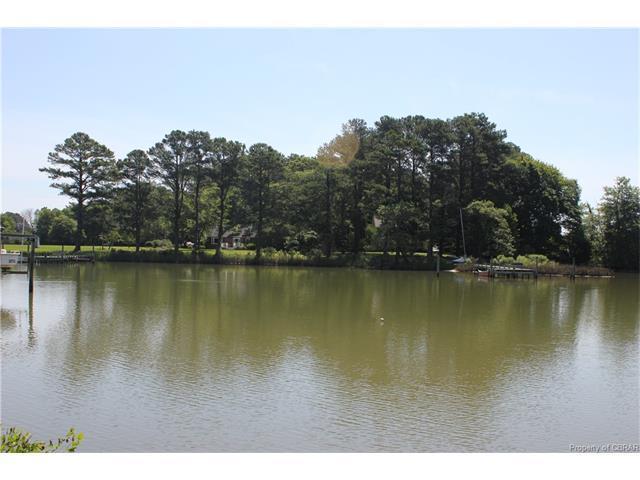 524A Bluewater Drive, Moon, VA 23119 (MLS #1801922) :: Chantel Ray Real Estate