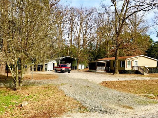 32 Woods Creek Road, Deltaville, VA 23043 (#1803687) :: Abbitt Realty Co.