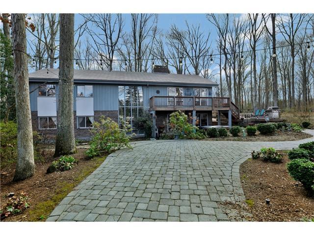 2410 Castlebridge Road, Midlothian, VA 23113 (MLS #1804953) :: RE/MAX Action Real Estate
