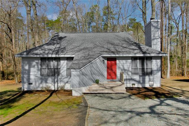 14112 Liberty Oaks Circle, Midlothian, VA 23112 (MLS #1805793) :: Chantel Ray Real Estate