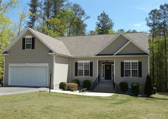15237 Parkgate Drive, Chester, VA 23831 (MLS #1808509) :: The Ryan Sanford Team