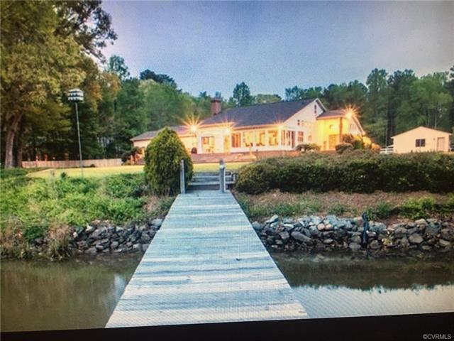 7461 Heath Trail, Gloucester, VA 23061 (MLS #1808554) :: Chantel Ray Real Estate