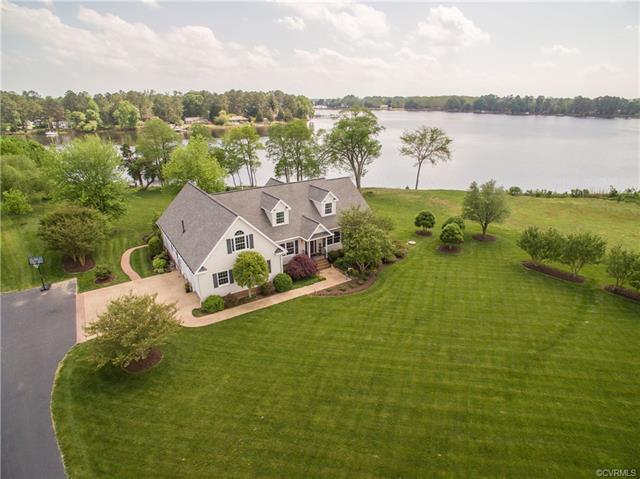 8737 Coles Landing Drive, Gloucester, VA 23061 (MLS #1809135) :: Chantel Ray Real Estate