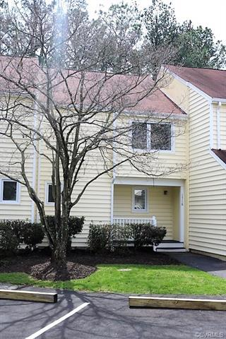 1718 Early Settlers Road #1718, North Chesterfield, VA 23235 (#1809312) :: Resh Realty Group