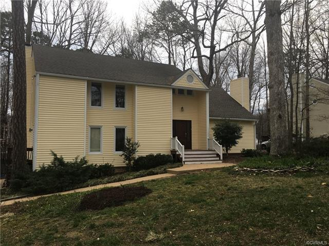 8408 Summit Acres Drive, North Chesterfield, VA 23235 (#1809622) :: Resh Realty Group