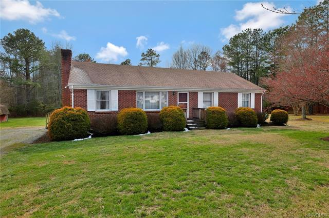 3419 Pleasants Road, Powhatan, VA 23139 (MLS #1809856) :: Chantel Ray Real Estate