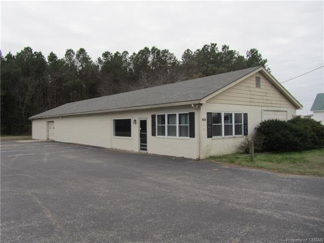 15242 General Puller Highway, Hardyville, VA 23070 (MLS #1809912) :: The Ryan Sanford Team
