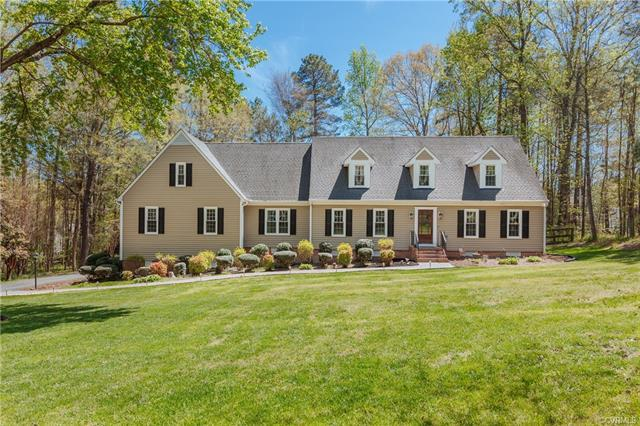 6009 Country Walk Road, Chesterfield, VA 23112 (MLS #1810059) :: The RVA Group Realty