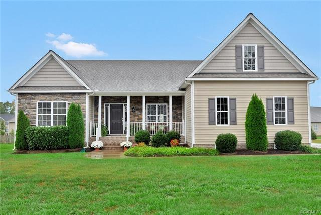 19907 Oyster Point Court, South Chesterfield, VA 23803 (MLS #1810199) :: Explore Realty Group