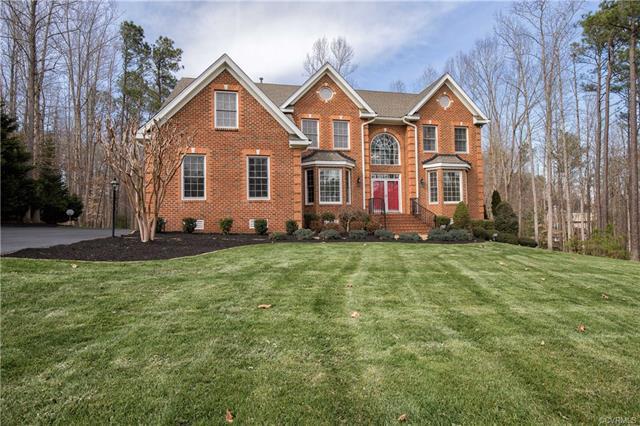 8208 Macandrew Court, Chesterfield, VA 23838 (MLS #1810297) :: Chantel Ray Real Estate